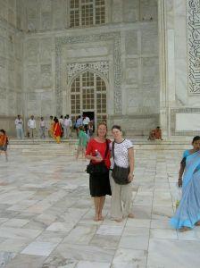 Met je blote voeten op het marmer van de Taj Mahal...